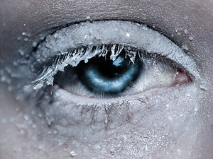 Frozen_eye_by_linore